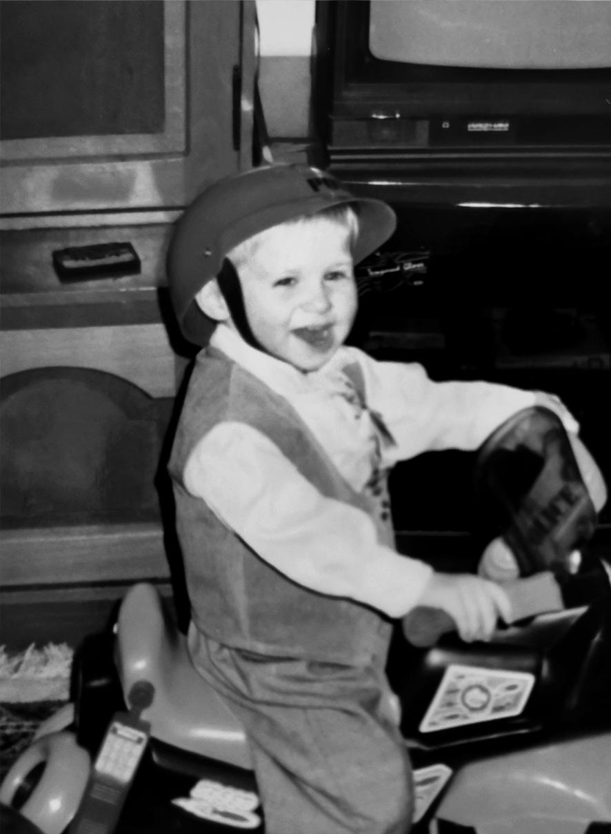 Foto di Andreas Szekely da piccolo. Foto in bianco e nero.